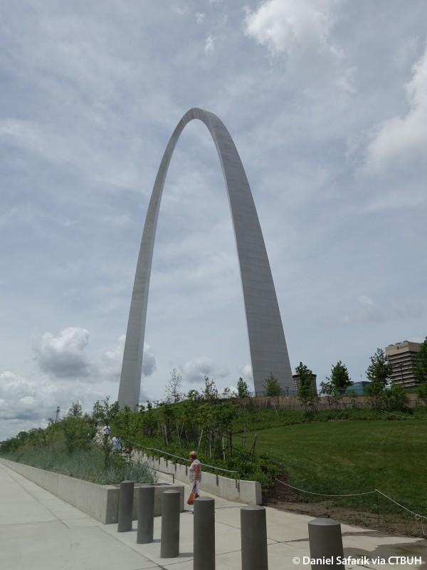 Building Gateway Arch Gateway Arch - The Sky...